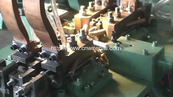 Full-Automatic-Steel-Forming-Chain-Welding-Machine