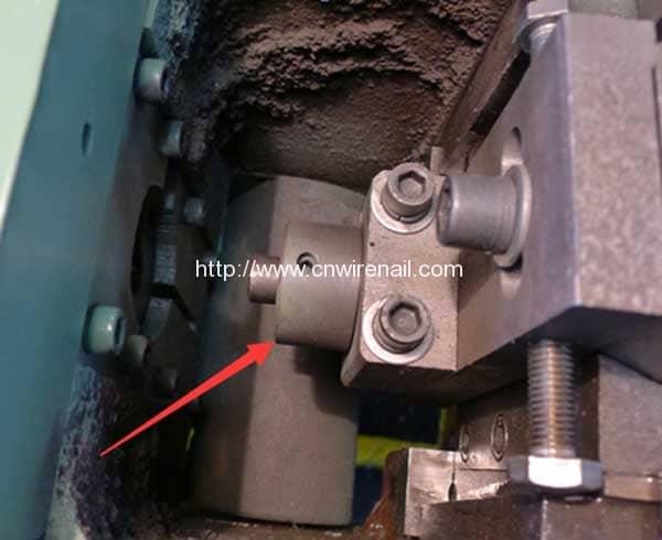 Manual-Book-of-Automatic-Steel-Wire-Rod-Head-Hammer-Rivet-Making-Machine-Head-Mould